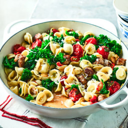 Sausage, kale and chilli pasta