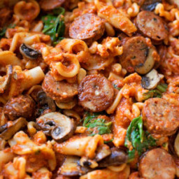 Sausage, Mushroom and Spinach Pasta with Red Pepper Sauce