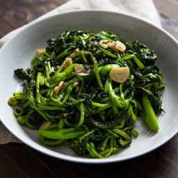 Sautéed Broccoli Rabe With Garlic and Chili Flakes Recipe
