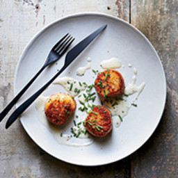 Scallops with Lemon-Butter Sauce