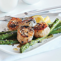 Seared Coriander Scallops with Nori Brown Butter and Asparagus