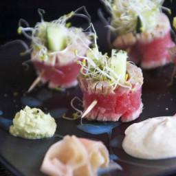 Seared Tuna Tataki Rolls with Creamy Ginger Sauce