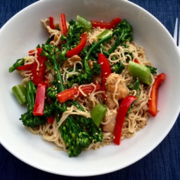 Sesame Ginger Chicken with brown rice ramen noodles