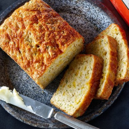 Sharp-cheddar zucchini bread