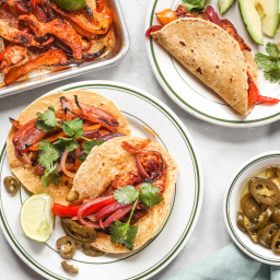 sheet-pan-chicken-fajitas-with-peppers-and-onions-2417386.jpg