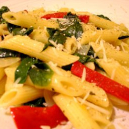 Simple Spinach and Red Pepper Pasta