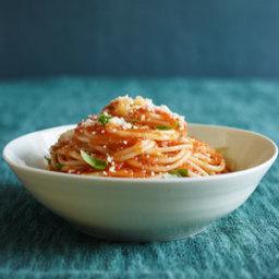Simple Tomato Sauce With Pasta