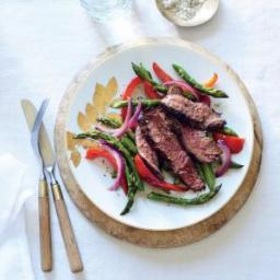 Sizzling Skirt Steak with Asparagus and Red Pepper