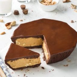 Skillet Chocolate Peanut Butter Cup