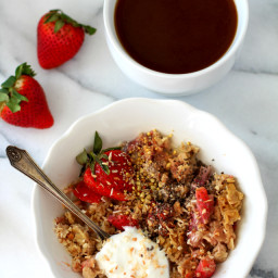 Skinny Strawberry Cheesecake Baked Oatmeal {dairy-free and gluten-free}