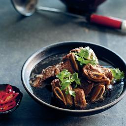 Slow-braised beef ribs