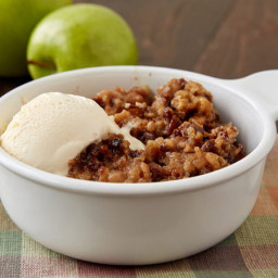 Slow-Cooked Praline Apple Crisp