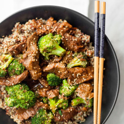 Slow Cooker Beef and Broccoli with Quinoa (Yummly - CASSIE JOHNSTON)