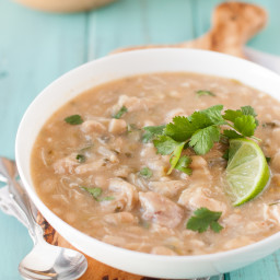 slow-cooker-clean-eating-white-chicken-chili-recipe-1774904.jpg