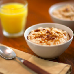 Slow Cooker Creamy Almond Oatmeal