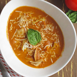 Slow Cooker Creamy Tomato Basil Soup with Tortellini - El Paso Inc.: Magazi