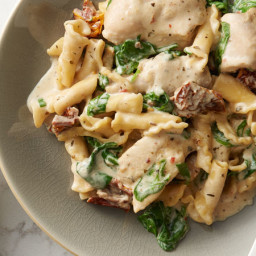 Slow-Cooker Creamy Tuscan Chicken Pasta
