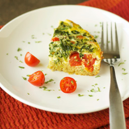 Slow Cooker Quinoa Breakfast Casserole with Tomato and Spinach