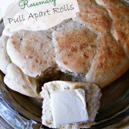 Slow Cooker Rosemary Pull Apart Rolls