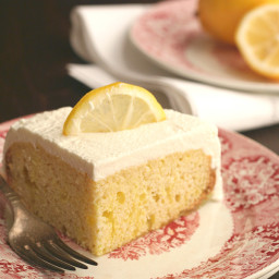 Slow Cooker Lemon Poke Cake