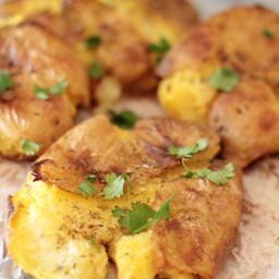 Smashed Potatoes with Garlic Mayo Sauce