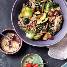 Soba Noodle Bowl With Kale and Mushrooms