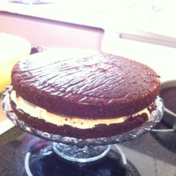 sour-cream-chocolate-cake-with-pean-4.jpg