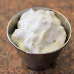 sour-cream-cucumber-sauce-2482310.jpg