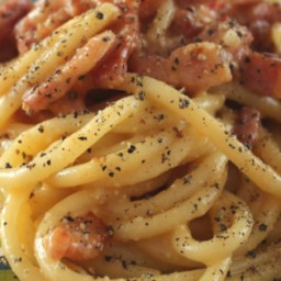 Spaghetti alla Carbonara: the Traditional Italian Recipe Recipe