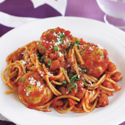 Spaghetti and Turkey Meatballs in Tomato Sauce