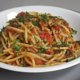 Spaghetti with chicken marinara sauce