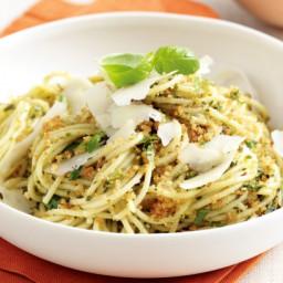 Spaghetti with garlic breadcrumbs