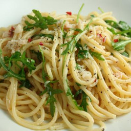 Spaghetti with Garlic, Chilli, Rocket and Pine Nuts