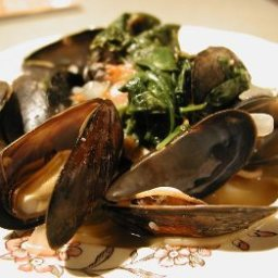 spaghetti-with-mussels-and-spinach-2.jpg
