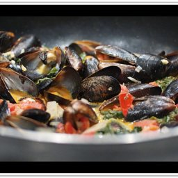 spaghetti-with-mussels-and-spinach-4.jpg