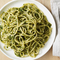 Spaghetti with Pecan-Herb Pesto