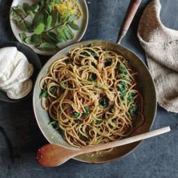 Spaghetti with Pistachio-Mint Pesto and Spinach