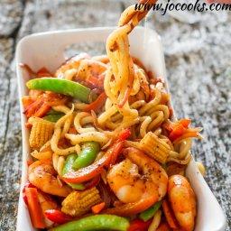 Spicy Black Pepper Shrimp with Udon Noodles