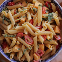 Spicy Pasta Salad with Smoked Gouda, Tomatoes and Basil