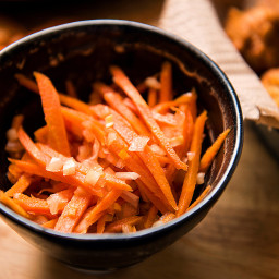 spicy-pickled-carrots-1873264.jpg