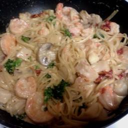 spicy-shrimp-and-scallop-alfredo-3.jpg