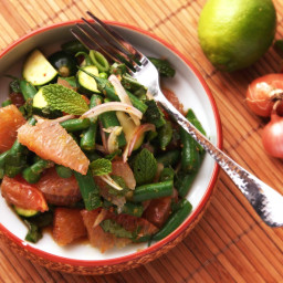 Spicy Thai-Style Pomelo, Green Bean, and Zucchini Salad Recipe
