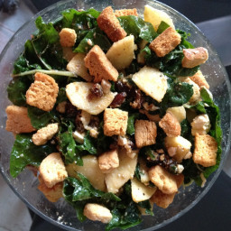 Spinach and Date Salad