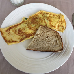 spinach-omelet-with-parmesan-090bef94d85359f55410a360.jpg