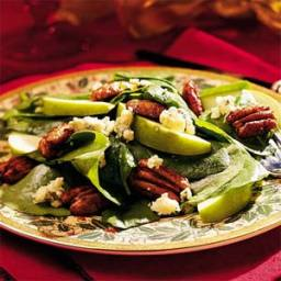 Spinach, Pear, and Blue Cheese Salad