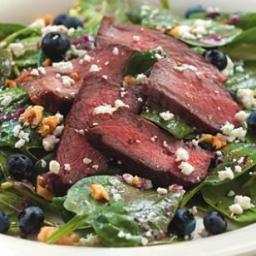 spinach-salad-with-steak-and-b-a0db63.jpg