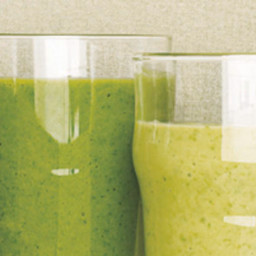 Spinach Smoothie With Avocado and Apple