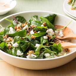 Spinach Salad with Goat Cheese and Walnuts
