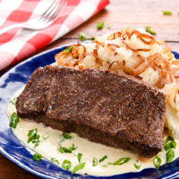 St. Louis-Style Steakwith mashed potatoes and creamy smoked Gouda sauce
