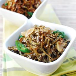 Stir Fried Anchovies (Myulchi Bokkeum)